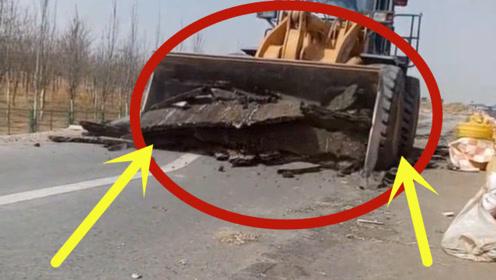 大型挖掘机太疯狂,什么都不在话下,公路秒变废路!