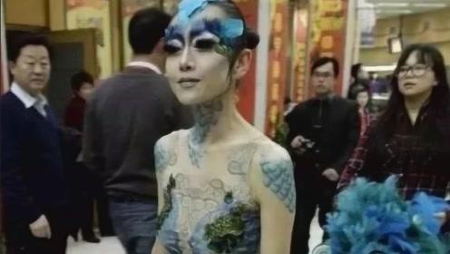 杨丽萍有多大胆?为舞台效果衣服直接画上去,镜头拉近网友都不淡定了