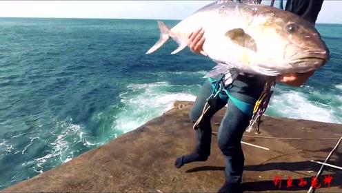 涯壁上擒大货,危险的地方,鱼又多又大!