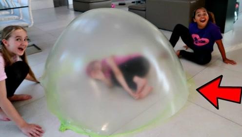史莱姆最新玩法!熊孩子将它变成巨大气泡,大人小孩都玩疯了