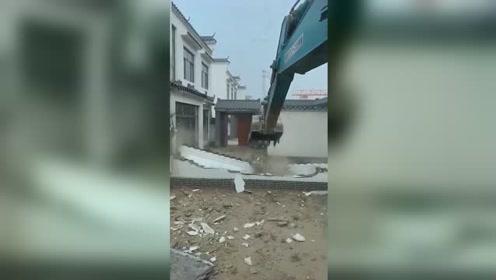 沧州20栋违法别墅被拆 一套曾公开售价120万元