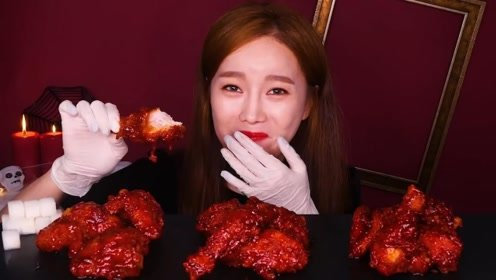 韩国美女吃特辣鸡腿,辣的直胃疼,一般人享受不了