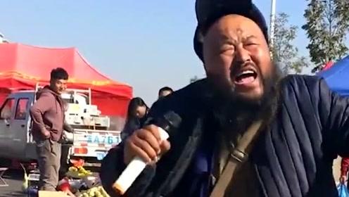 大胡子叔叔演唱DJ版《谁》,嗓音太有个性了,让人怎么听都听不够!