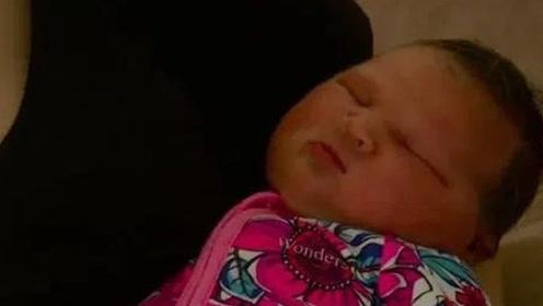 """""""相扑宝宝""""这个婴儿一出生就有12斤"""