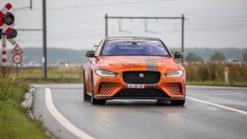 Jaguar XE SV加速的声浪