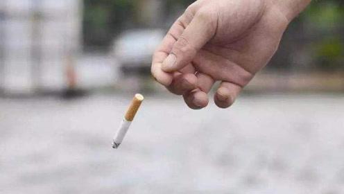 老外作死将烟头放进汽油,结果下一秒直接开溜!