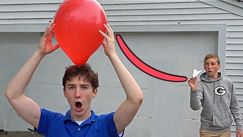 老外展示自己玩纸飞机神技能,能控制飞行轨迹,看完满脑子的问号