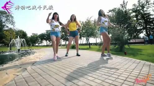 """俄罗斯街舞选手果然都是""""力量型""""的!大姐的freestyle真精彩"""