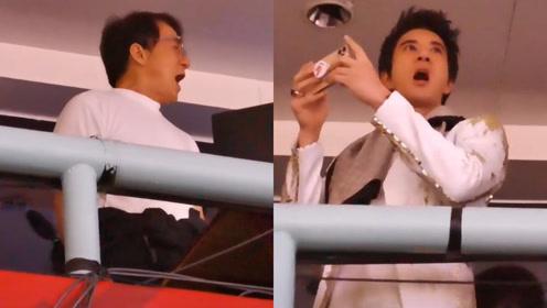 成龙王力宏现身军运会开幕式,站台上跟唱《歌唱祖国》一脸自豪
