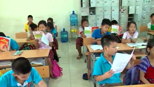 孤儿院条件好了,孩子们上学都能学习电脑,长大了也能养活自己
