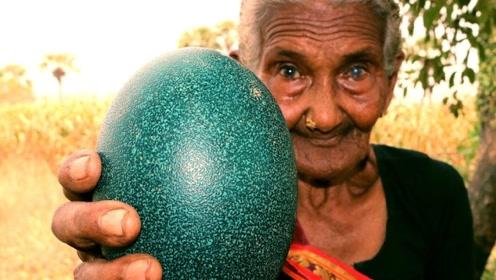 """老奶奶无意捡到""""绿宝石"""",儿子用斧子砸开后,画面出现意外之喜!"""