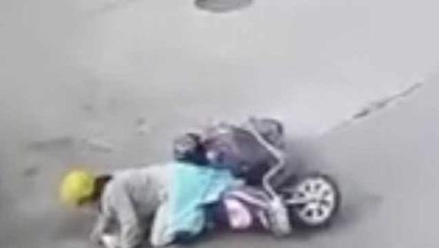 宠物狗没拴绳,冲上马路撞倒骑车女子,宁波一狗主人被判全责