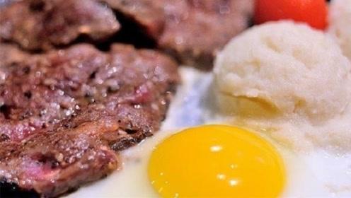 为什么吃牛排盘里总放个生鸡蛋?不懂别瞎吃,免得被人嘲笑