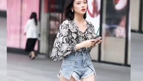 街头的时髦美女们,花枝招展的样子真迷人