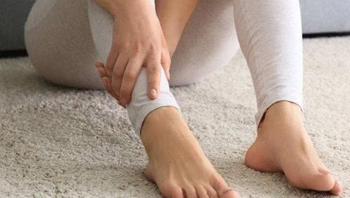 血液粘稠的人,脚部会有2种表现,若一个没有,血管还不算太堵