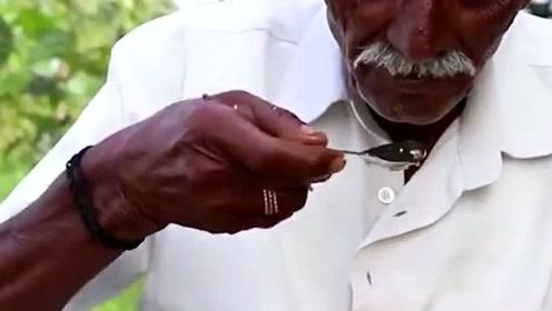 蛋炒饭流传到印度,当地人为了吃一口,放弃了用手抓饭吃
