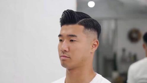 """男士""""背头""""发型怎么梳才帅气?两边剃短37偏分,自然质感有魅力"""