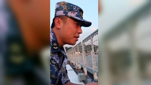 参军第11年,钦州舰上第7年,海军兵哥哥铁汉柔情,珍藏多年积蓄竟是它!