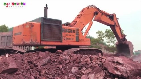 小松挖掘机800