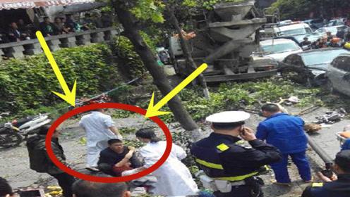 可怕女司机!驾车冲上人行道致6人受伤,现场太悲惨!