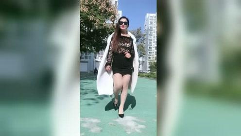 40岁的微胖女人,时尚有品位!