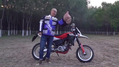 不到4万块的650cc大单缸 还是个全能选手!