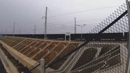 浩吉铁路开通,邓州西站有火车经过