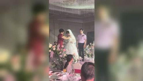 结婚以后记得常回家看看爸爸和妈妈