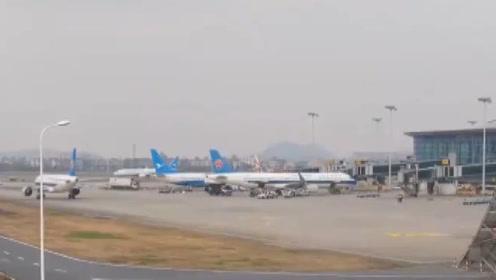 机长与进驾驶舱女乘客系恋爱关系,桂林航空高层集体被罚!