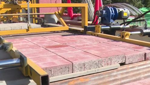 """小伙发明码砖""""黑科技"""",1天码砖300吨,全自动代替12名工人收砖"""