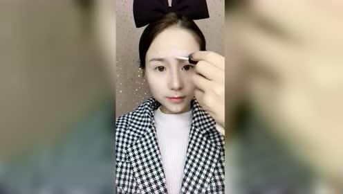 淡妆能让有些女生的颜值直线上升