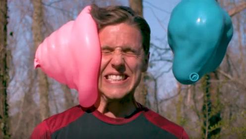 水气球那么软,砸脸上会疼吗?老外亲测,隔着屏幕都觉得酸爽!