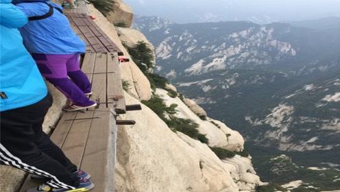 自古华山一条路,奇险天下第一山,到底有多险峻,看完腿都软了