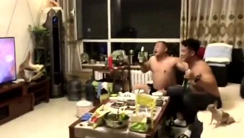 岳父和女婿喝醉酒之后的样子,网友们:可以拜把子了