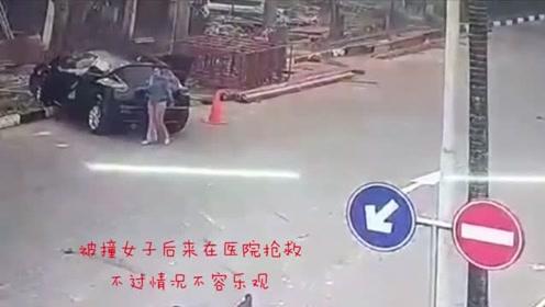清晨美女在路上跑步,刚好碰到女司机上演惊人操作,下一秒就悲剧了