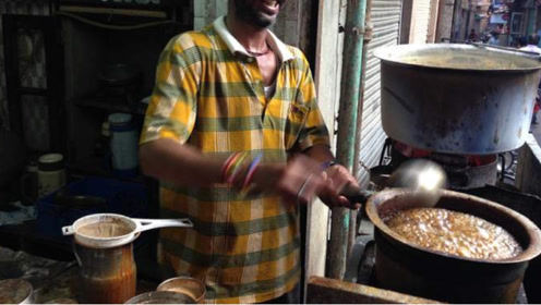 """印度街头最""""摇摆""""奶茶,胖子减肥利器,喝一杯暴瘦20斤!"""