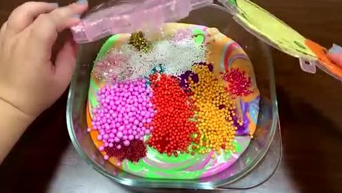 蝴蝶起泡胶+草莓黏土+彩色亮片+珍珠,创意史莱姆!