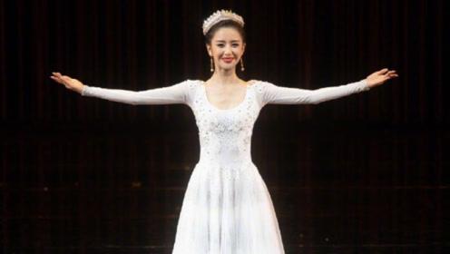 佟丽娅翩翩起舞身姿曼妙 展万种风情