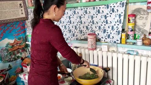蒜苔炒腊肉不足五分钟搞定,农村的制作方法,孩子们都爱吃