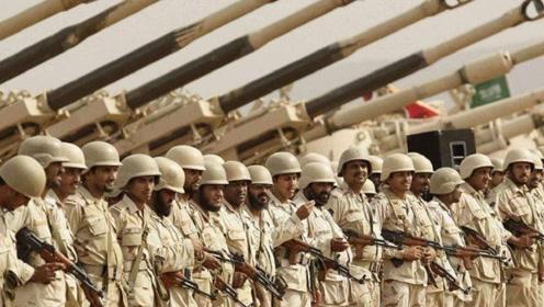 三个旅上百辆战车被包围,胡塞武装缴获大批武器,枪支已堆积如山