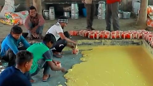 印度的甘蔗糖有拳头大小,真材实料无添加,全程手工制作一元一个