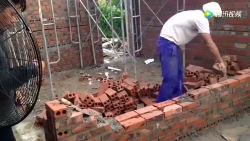 老外工地这样干活,看他砌墙我都着急,在国内估计得骂死