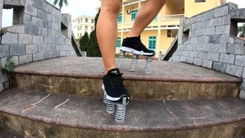 给鞋子装上弹簧能跳得更高吗?小伙亲自测试,连路都走不稳
