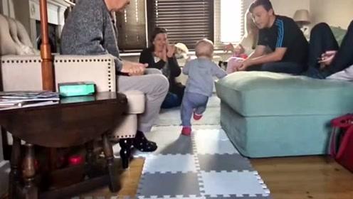 惊喜 一父亲超级幸运拍下儿子人生第一步