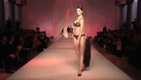 来自黑色服装的魅力,模特们散发着女人的味道
