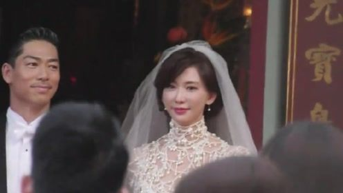 甜度爆表 林志玲黑泽良平婚礼上变换角度热吻两次