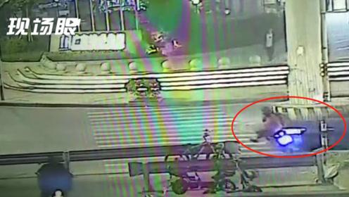 3人乘摩托车夜晚横穿马路被宝马车撞飞 监控拍下恐怖瞬间