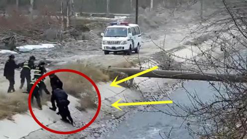 熊孩子下河玩水被冲跑2公里,6个人拉他自己,勉强将他救了出来!