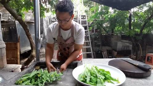 上班族的午餐:一把菜苔,一块五花肉,农家小院的清闲时光