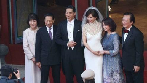 林志玲与老公举办婚礼,小细节看出她在日本婆家的地位